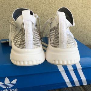 Mens new Adidas sneaker